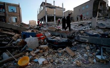 Cutremur de 7,3 grade la granita dintre Iran si Irak. Pana acum sunt peste 320 de morti si cel putin 1.650 de raniti