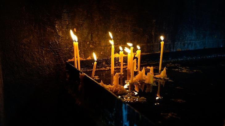 Cinci morti si zeci de raniti dupa un atac sinucigas intr-o biserica!