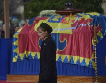 In 20 de ani de prezenţa in Romania, Familia Regala a facut 315 vizite oficiale externe si s-a intalnit cu 105 sefi de stat! Toate vizitele au fost platite din fondurile personale ale Regelui Mihai l