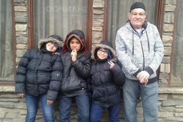 Stare de alerta la metrou! Tatal a zece copii, impins sub rotile trenului de un adolescent