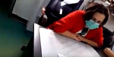 Medic de la Spitalul Baicoi, filmat in timp ce refuza sa interneze un pacient si ii rupe fisa medicala