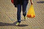 Romania urmeaza sa interzica pungile de plastic!
