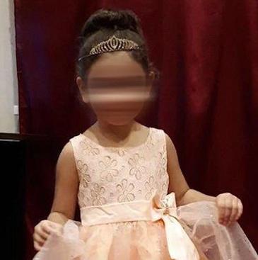O fetita de doar trei ani a fost uitata, afara, in zapada de educatoare. E infiorator cum a fost gasita, abia dupa doua ore