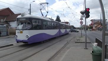 O femeie a fost injunghiata in tramvai! Calatorii au urmarit scena socati, insa nimeni nu a intervenit pentru a o ajuta!