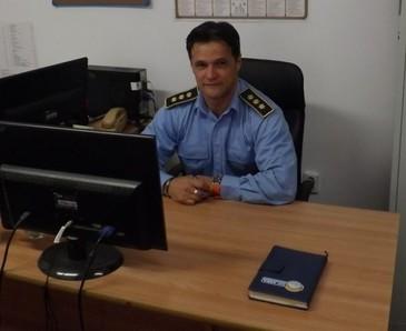 Comisarul care s-a fotografiat dezbracat in Penitenciarul Vaslui are un salariu urias! Vasile Ponea a ajuns director-adjunct al institutiei!
