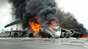 Tragedie aviatica de proportii! Un avion cu 200 de oameni la bord s-a prabusit in urma cu putin timp. Cel putin 105 persoane si-au pierdut viata pana in acest moment