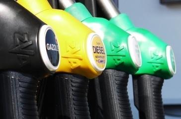 Paguba in buzunarele soferilor! Benzina se scumpeste din ce in ce mai mult!