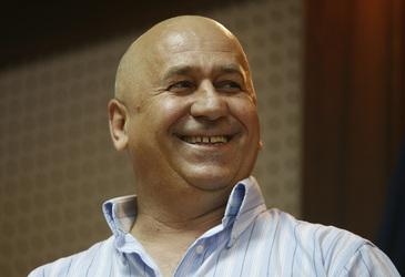 George Mihaita castiga sume uriase din salariul de manager, indemnizatia de merit si drepturile de autor! Celebrul actor a incasat 16.738 de lei pe luna!