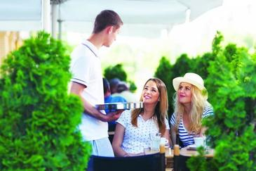 Vacanta de vara, perioada ideala pentru studentii care vor sa castige un ban in plus!
