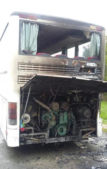 Excursie de cosmar! Un autocar cu elevi a luat foc in judetul Gorj