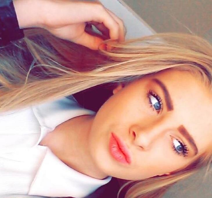 O adolescenta de 16 ani a recurs la un gest teribil! S-a sinucis in timp ce parintii erau cu ea in casa. Durerea a fost cu atat mai mare cand au aflat motivul