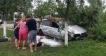Viteza face noi victime in Timis! Un tanar de 22 de ani a murit pe loc, iar ceilalti trei pasageri sunt grav raniti, dupa ce au intrat cu masina intr-un stalp