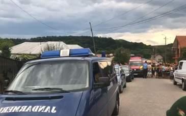 Copilul de 6 luni al politistei din Gorj care si-a impuscat mortal mama cu arma sotului, a murit. Femeia ii provocase mai multe rani grave in zona capului