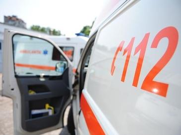 O fetita aflata in soc anafilactic a fost dusa de catre politisti in brate, la spitalul din Constanta pentru ca ambulanta nu putea sa ajunga la ea