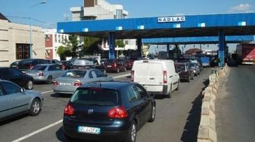 Vine diaspora! Coloane de masini intinse pe zeci de kilometri la intrarea in Romania!