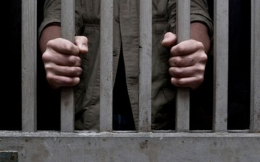 Evadare spectaculoasa la Judecatoria Sectorului 3, Bucuresti! Cum a reusit un detinut sa-i pacaleasca pe politisti