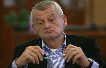 Ce avere detine medicul Sorin Oprescu! Fostul primar al Bucurestiului are o vila de 480 de metri patrati, bunuri de aproape 100.000 de euro si venituri de 5.000 euro pe luna!