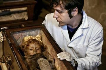 Rosalia, fetita care a uimit o lume intreaga! Este moarta de aproape 100 de ani, dar inca arata ca orice copil!