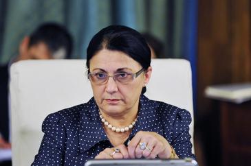 """Ecaterina Andronescu, dupa ce a fost atacata de colegii de partid: """"Mi-am luat toate zoaiele pamantului! Ma simt jignita!"""""""