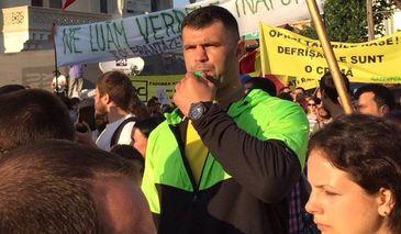 """Campionul de K1, Daniel Ghita, ia atitudine impotriva manifestantilor din Piata Victoriei! """"Jandarmii trebuiau sa actioneze mai ferm! Au fost prea blanzi cu huliganii!"""""""