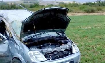 Masina lovita de tren in Timis. Soferut a murit, dupa ce autoturismul a a fost aruncat la cativa metri pe camp