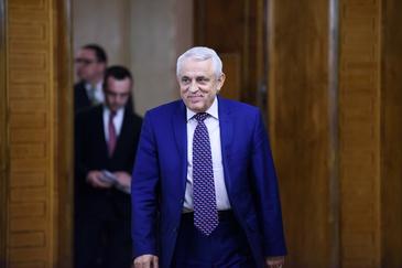 Petre Daea si sotia, venituri de 7.300 euro pe luna! Ministrul Agriculturii este un pensionar fericit