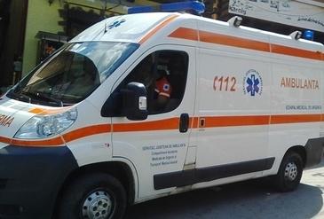 Un angajat al Teatrului de Comedie din Capitala, gasit inconstient dupa ce a cazut de la 6 metri inaltime