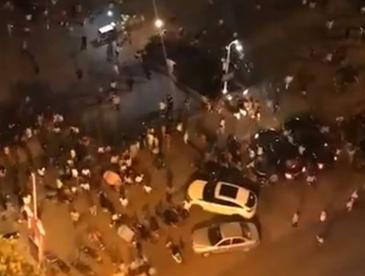 O masina a intrat in multime din plin , in China. Cel putin 9 persoane au murit si alte 43 au fost grav ranite!