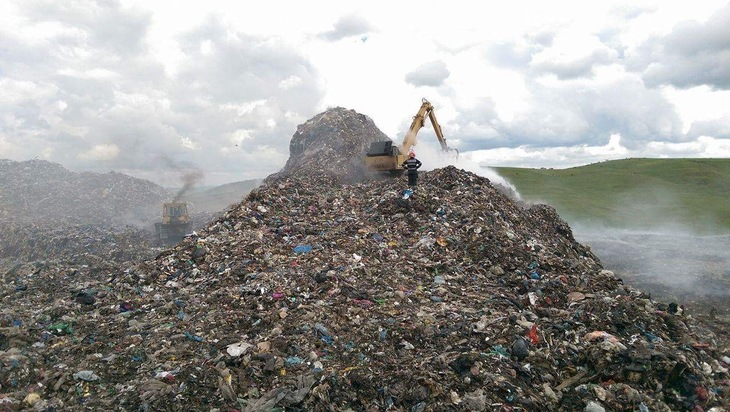 Munte de mizerie si incompetenta, la Cluj! Desi Comisia Europeana a transmis un ultim avertisment, gunoiul creste de la o zi la alta