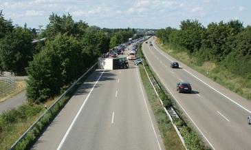 Accident pe Autostrada Bucuresti-Pitesti. Traficul este oprit