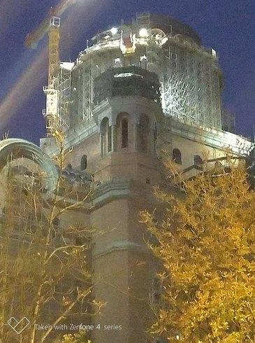 """La Catedrala Mantuirii Neamului se lucreaza non-stop: """"Dacă sunt bani se lucrează şi noaptea la catedrală!"""" FOTO"""