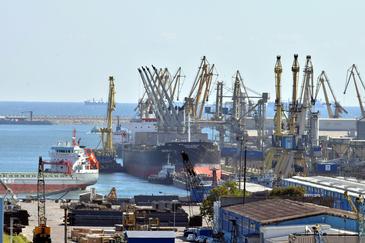 Captură impresionantă în portul Constanţa. Poliţiştilor nu le-a venit să creadă când au văzut peste ce au dat. Totul era ascuns într-un container