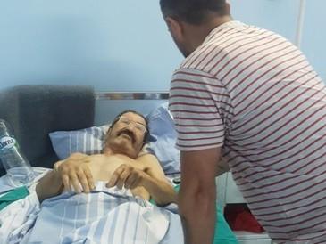 Nea Vasile, bătrânul fără picioare ce locuia într-o maşina. Aştepta să primească primii bani din pensie să-şi poată asigura un acoperiş deasupra capului