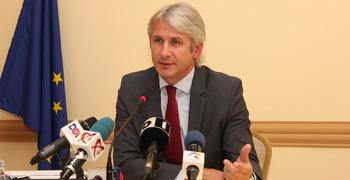 """Guvernul ia în calcul îngheţarea salariilor bugetarilor! Eugen Teodorovici: """"Este o posibilă variantă!"""""""