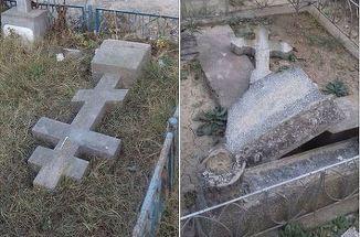Prăpăd într-un cimitir din Tulcea după ce au fost vandalizate 100 de morminte