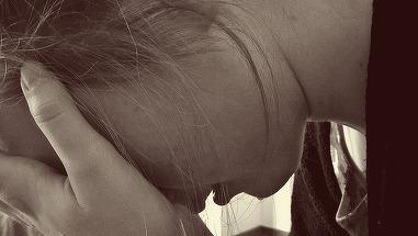 Fetiţă de 12 ani, din Brăila, violată de prietenul tatălui ei. Planul terifiant prin care a ademenit-o pe copilă