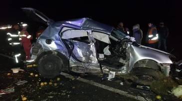 Accident cumplit în Constanţa! Sunt doi morţi şi doi răniţi după ce două autoturisme s-au ciocnit