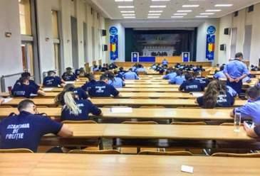 Un profesor de la Academia de Poliţie le-a oferit studenţilor subiectele de licenţă cu o zi înainte. Ce a declarat dascălul