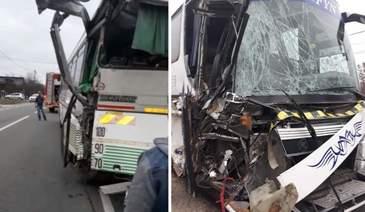 Accident devastator în Gorj! Două autobuze cu peste 80 de călători s-au ciocnit