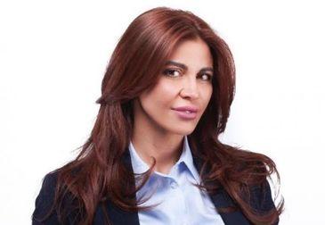 """Sexy-deputata Andreea Cosma, chemată să explice de ce s-a simţit umilită de termenul de """"penal""""! PSD-ista, faţă în faţă cu avocaţii lui Iohannis"""