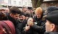 Aproape a leşinat când şi-a văzut soţul în coşciug! Drama care a înlăcrimat România ! Soţia artistului n-a mai avut lacrimi să plângă la căpătâiul lui!
