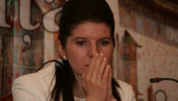 Noi probleme de sanatate pentru Monica Iacob Ridzi! Fostul ministru a ajuns de urgenta la spital