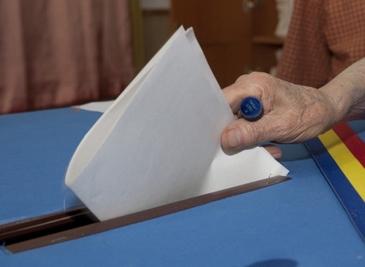 Alegeri partiale duminica in 49 de localitati pentru noi primari. Candidatii din marile orase