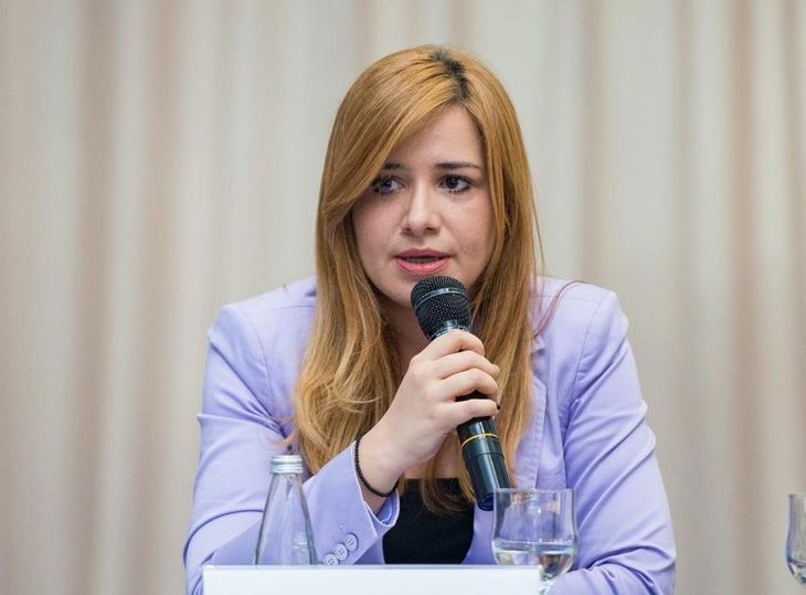 Secretarul General de la Camera Deputatilor este cel mai bine platit om din Parlament! Silvia Mihalcea castiga 17.900 de lei pe luna