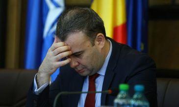 """Omul cheie al guvernarii din Romania a trait un an cu un salariu de 3.200 lei pe luna! Darius Valcov si-a facut """"curat"""" in declaratia de avere"""