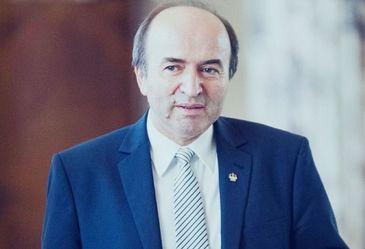 Tudorel Toader a declansat procedura legala pentru evaluarea activitatii manageriale a procurorului general
