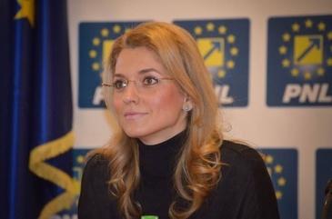 Senatoarea PNL, Alina Gorghiu, a devenit mama pentru a doua oară. A născut aseară un băieţel