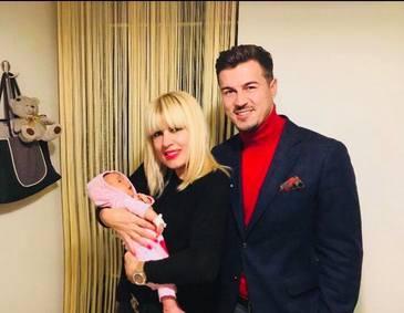 """Elena Udrea îşi poate vedea copilul doar în închisoare! """"Are voie la vizite scurte, de două ori pe zi!"""""""