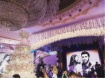 Un miliardar rus a cheltuit 2 milioane de dolari pe nunta vis a fiului lui. Mireasa a schimbat trei rochii si a purtat bijuterii in valoare de 200.000 de dolari