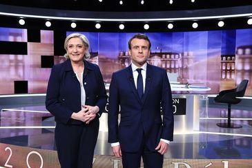 Franta isi alege duminica presedintele. Au venit primele rezultate ale votului. Emmanuel Macron sau Marine Le Pen?